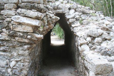 Thomas Cook - Unbekannte Maya-Schätze