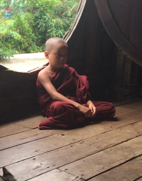 Mönch Kind