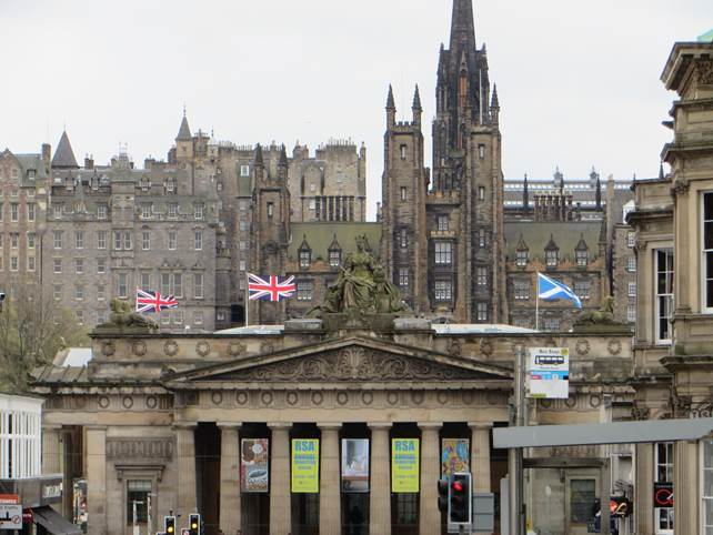 Altstadtkulisse von Edinburgh