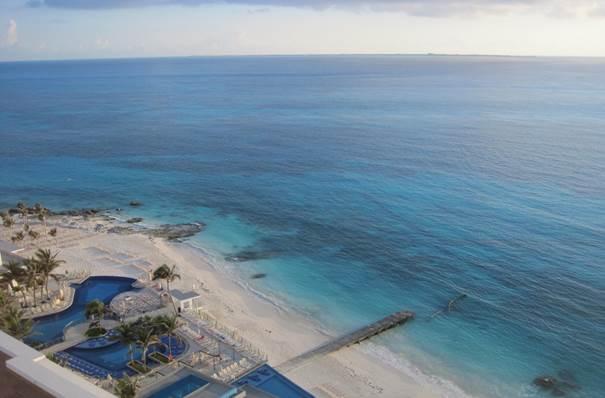 Blick vom RIU  Cancun aufs karibische Meer