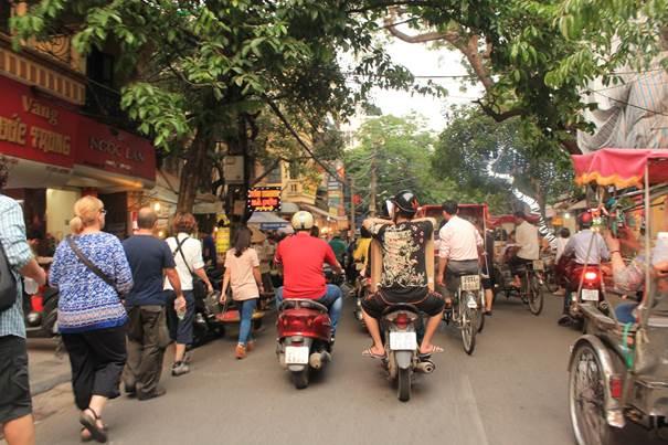 Rikschafahrt durch die Straßen von Hanoi