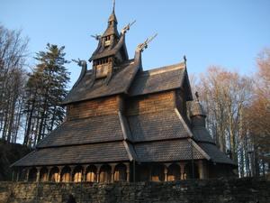 nachgebaute Stabkirche aus der Wikingerzeit
