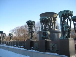 Vigeland Skulpturenpark ist ein Geschenk der Stadt Oslo an den Bildhauer