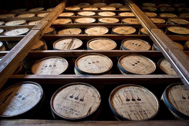 Bourbon Fässer